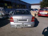 Dezmembrez Opel Astra G SEDAN din 2004