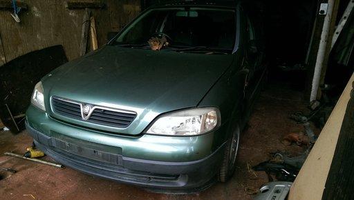 Dezmembrez Opel Astra G X16XE Euro 2