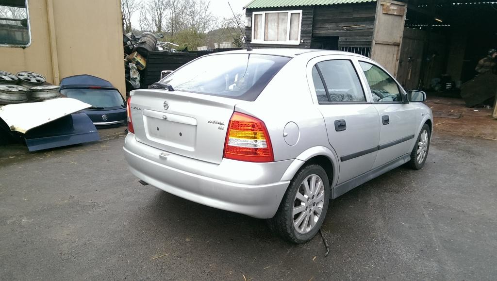 Dezmembrez Opel Astra G Z18XE