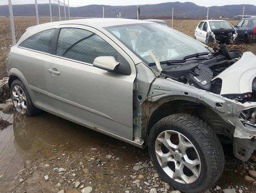 Dezmembrez Opel Astra GTC 1.9 150 CP