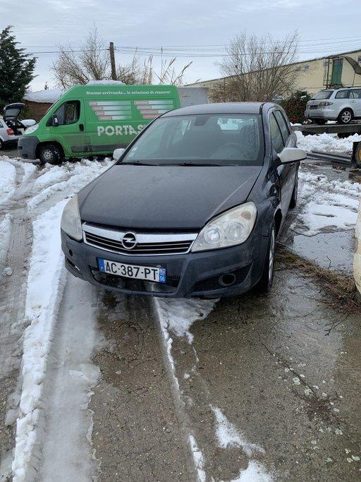 Dezmembrez Opel Astra h 1.3 cdti\2009