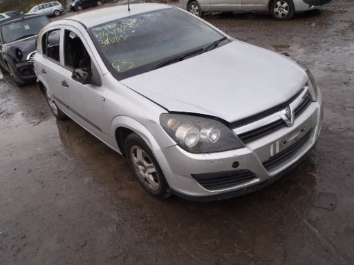 Dezmembrez Opel Astra H 1.3 diesel, an 2006, hatchback