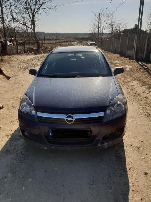 Dezmembrez Opel Astra H 1.3cdti 2006