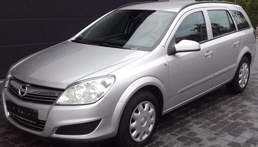 Dezmembrez Opel Astra H 1.7 CDTI 110 CP Combi facelift 2010 volan pe stanga