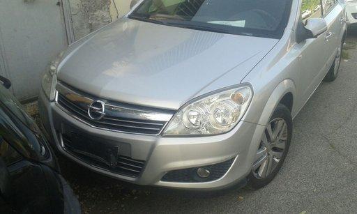 Dezmembrez Opel astra h 1.7 cdti 2010