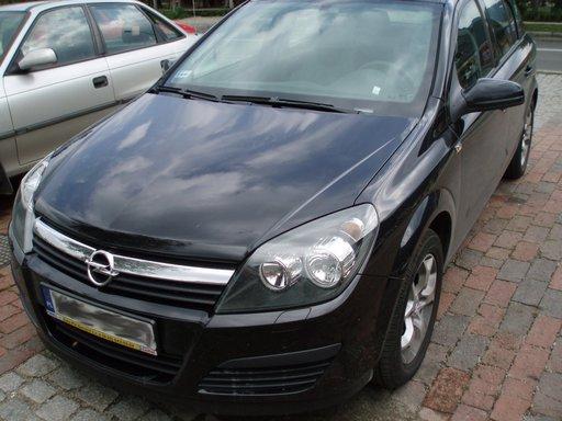 Dezmembrez Opel Astra H 1.7 CDTI din 2005 volan pe stanga