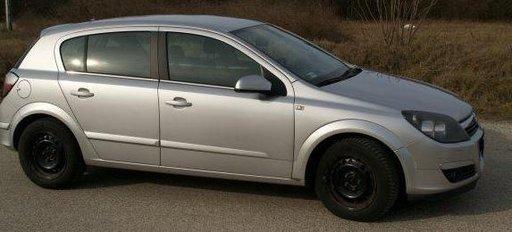 Dezmembrez Opel Astra H , 1.7 CDTI, din 2005