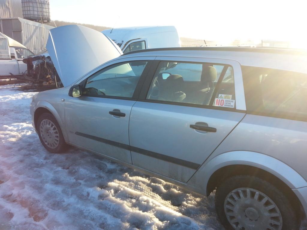 Dezmembrez Opel Astra H 1.7