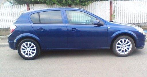 Dezmembrez Opel Astra H 1.7CDTI 101CP