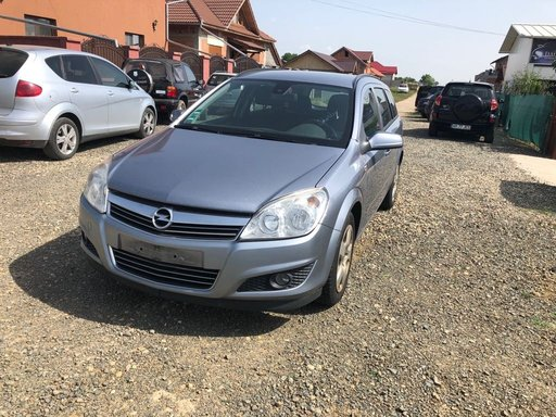 Dezmembrez Opel Astra H 1,9 cdti 150 CP Combi an 2