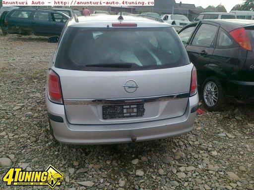 Dezmembrez Opel Astra H 1 9cdti An 2005