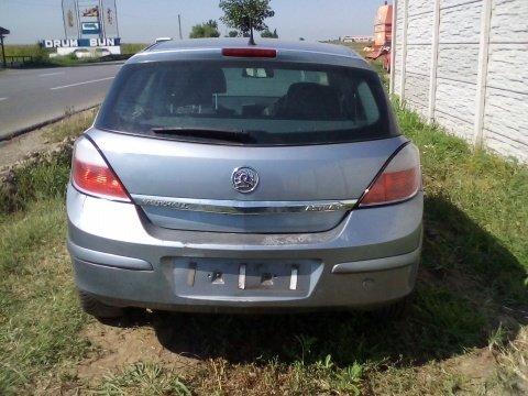 Dezmembrez Opel Astra H 2004 Hatchback 1.6