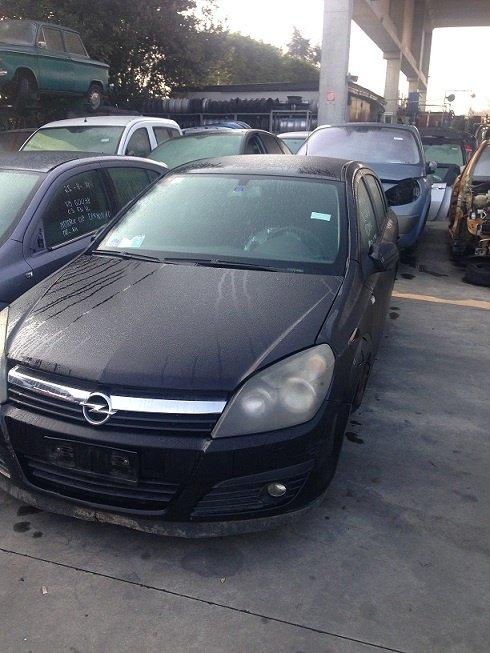 Dezmembrez Opel Astra H 2005 1.7 cdti Z17DTH