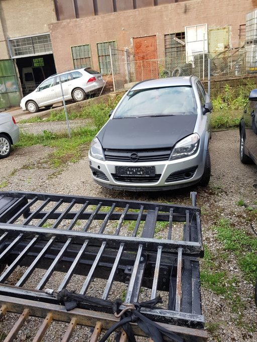 Dezmembrez Opel Astra H 2006 brek 1.7eco tec