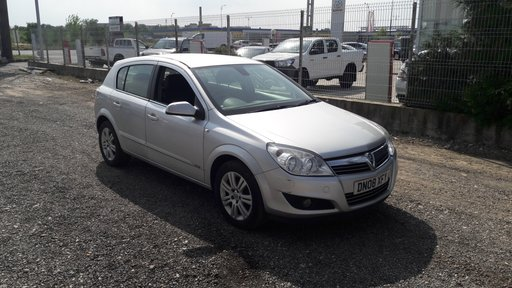 Dezmembrez Opel Astra H 2008 Hatchback 1.8