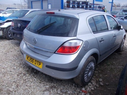 Dezmembrez Opel Astra H ,an 200