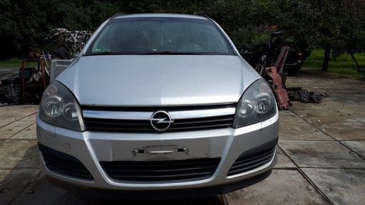 Dezmembrez Opel Astra H combi 1.7 Cdti