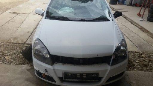 Dezmembrez Opel Astra H Hatchback 1 3 Cdti 90 Cai