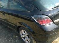 Dezmembrez Opel Astra H model 2006