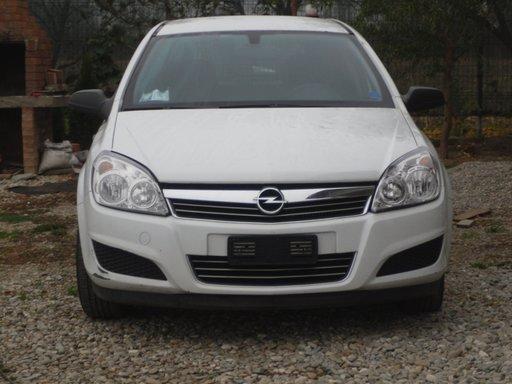 Dezmembrez Opel Astra H -Z17DTH- an 2008 facelift