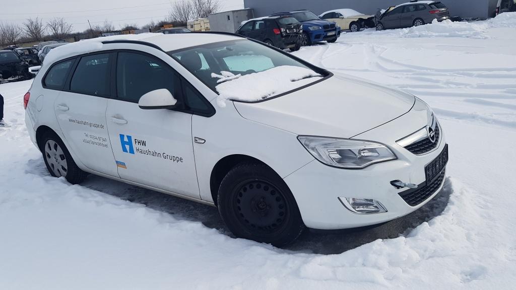 Dezmembrez Opel ASTRA J 1.7 CDTI A17DTE