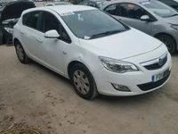 Dezmembrez Opel Astra J 1.7 CDTI Alb 5 usi
