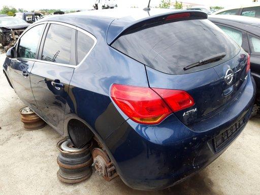 Dezmembrez Opel Astra J 2011 1.7cdti A17DTR