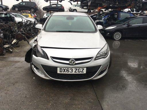 Dezmembrez Opel Astra J 2013 HATCHBACK 2.0
