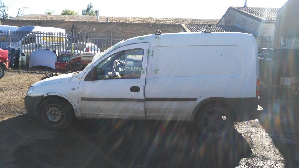 Dezmembrez Opel Combo 2005 VAN 1.7 DTI
