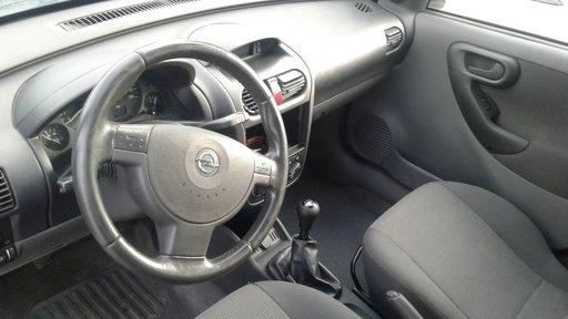 Dezmembrez Opel Combo,an 2005 1.3 cdti