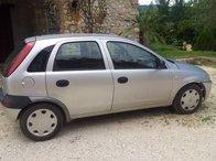Dezmembrez Opel Corsa 1.0 benz 2002