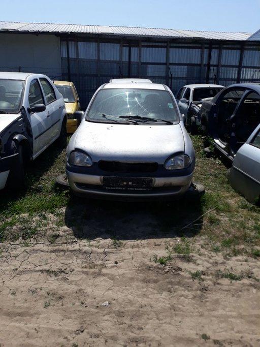 Dezmembrez Opel Corsa-B 1.4 16V 66 KW 90 CP X14XE 1997