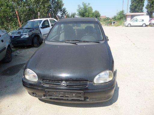 Dezmembrez Opel Corsa B DIN 1997