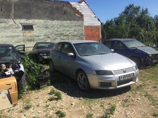 Dezmembrez Opel corsa B