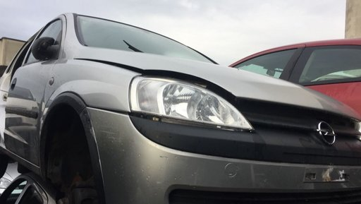 Dezmembrez Opel Corsa C 1.0 B 2003 z10xe