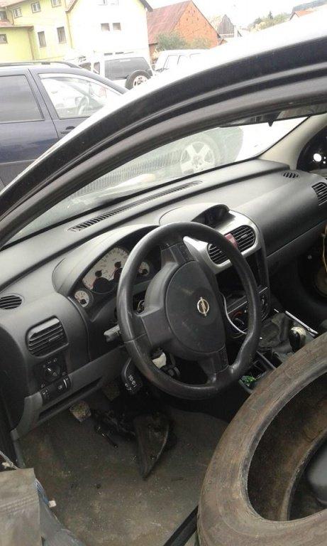 Dezmembrez Opel Corsa C 1.2