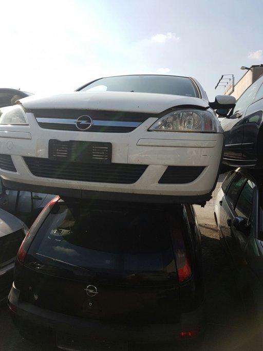 Dezmembrez Opel Corsa C 1.3 CDTI 2005