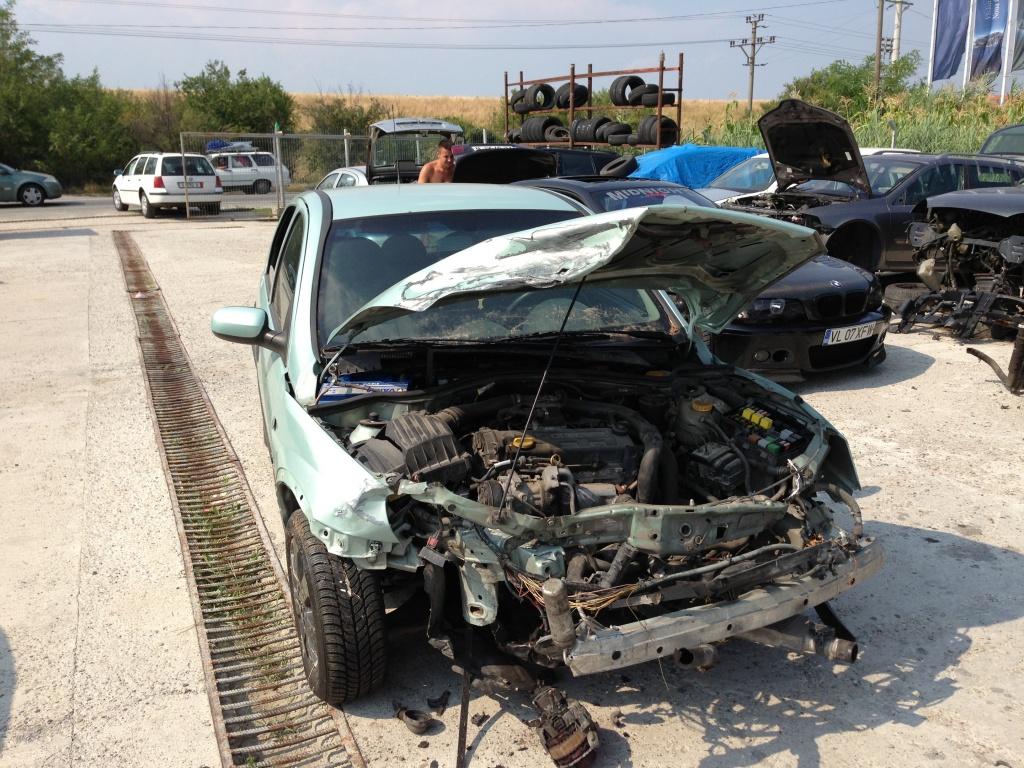 Dezmembrez Opel Corsa C 17 Dti 144640210 1 7 Wiring Diagram