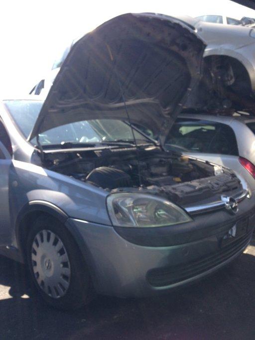 Dezmembrez Opel Corsa C cod motor Z10XE