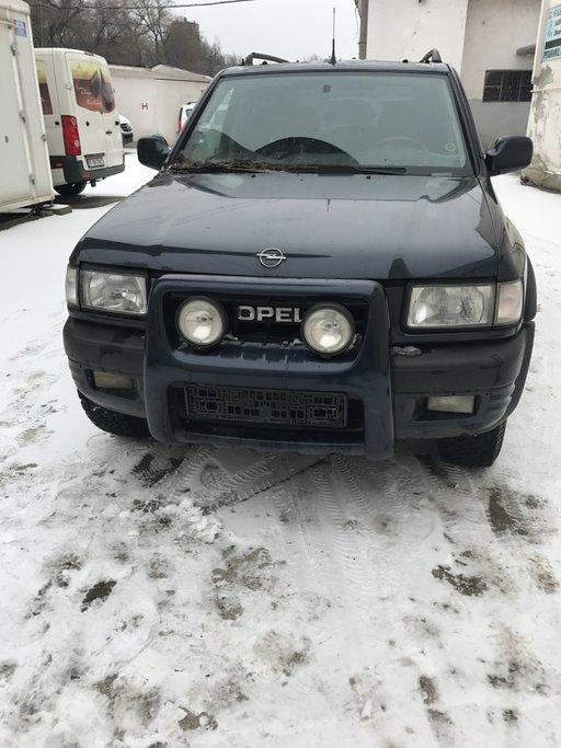Dezmembrez Opel Frontera 2.2i din 2001