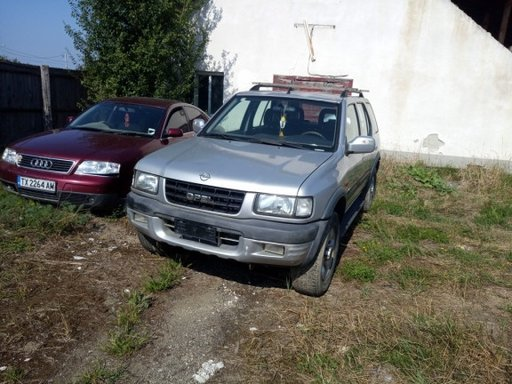 Dezmembrez Opel Frontera 2000