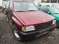 Dezmembrez Opel frontera a an fabr 1997 motor 2.0i