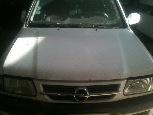 Dezmembrez Opel Frontera model 2001