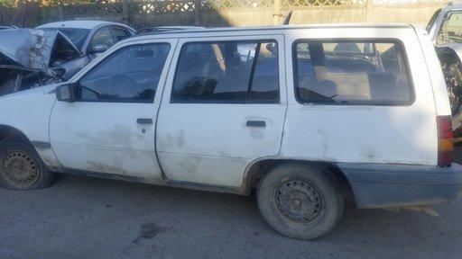 Dezmembrez Opel Kadett 1.6 diesel an 1986