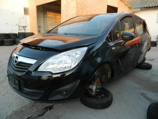 Dezmembrez Opel Meriva - 2010