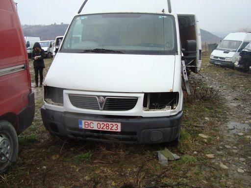Dezmembrez Opel Movano 2000 2.5tdi