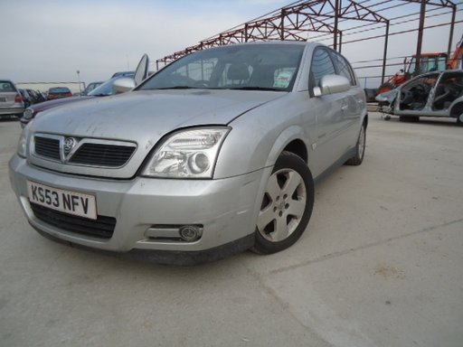 Dezmembrez Opel Signum din 2003, 2.2 b
