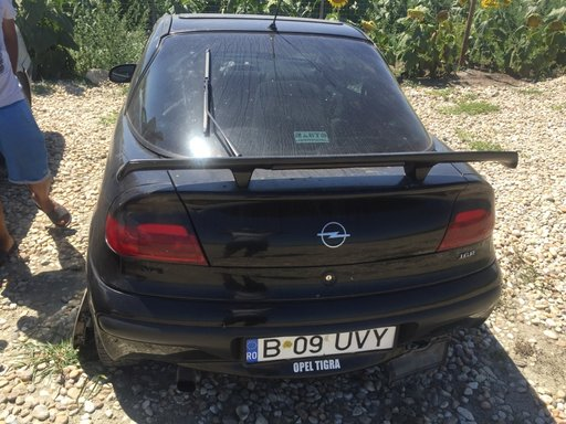 Dezmembrez Opel Tigara 1.4