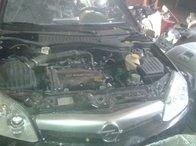 Dezmembrez Opel Tigra 2005