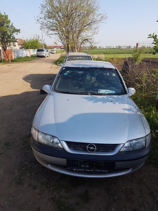 Dezmembrez Opel Vectra 1.6 16v X16XEL 1996-2003